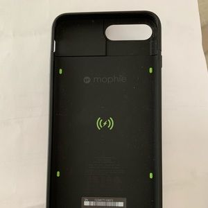 MOPHIE BLACK CHARGING CASE FOR 7+ 8+